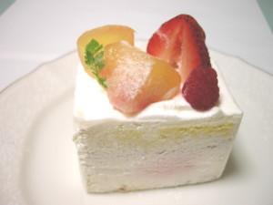 品川区・武蔵小山:旬のフルーツを使ったショートケーキ「パティスリィ ドゥ ボン クーフゥ」