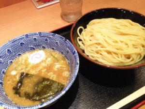 いつかティファニーで朝食を第11話:東京駅一番街「六厘舎TOKYO」