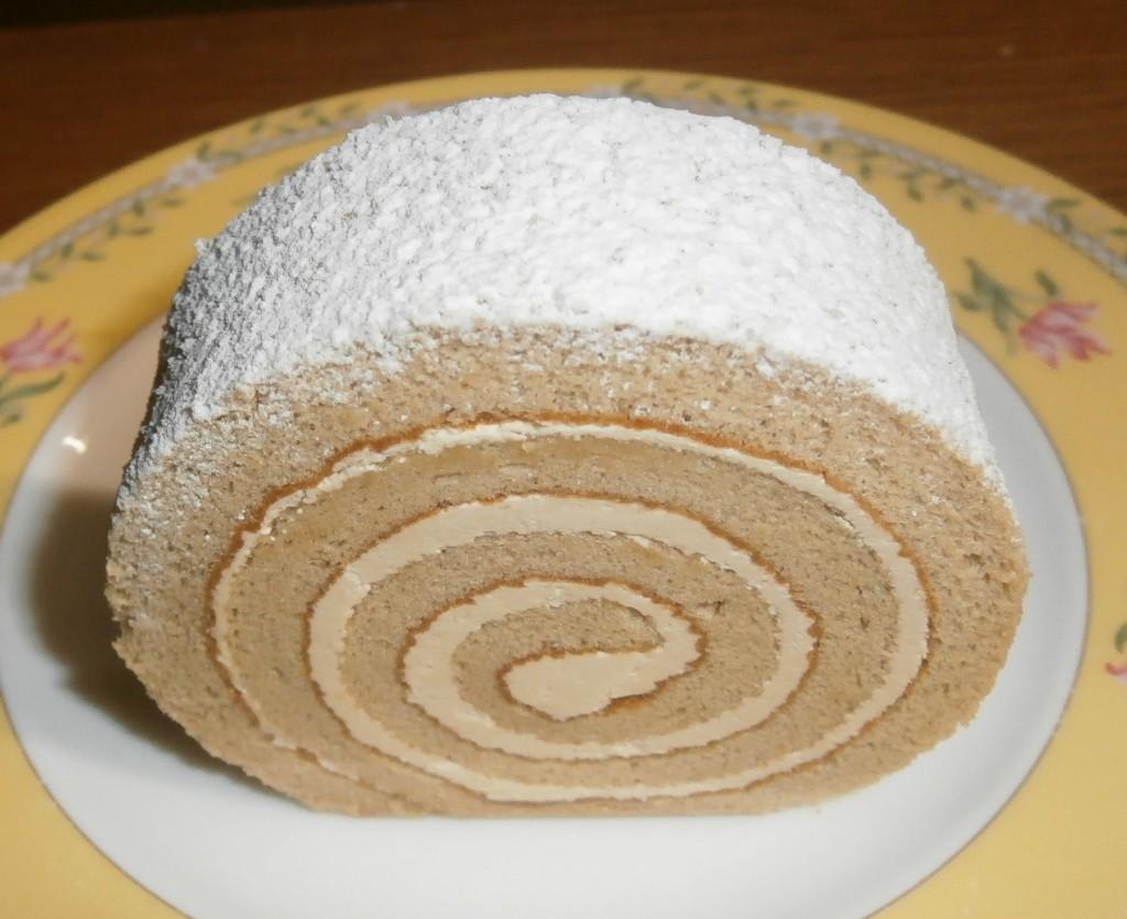 世田谷区・成城学園前:クラシカルだが飽きないロールケーキ「成城アルプス」