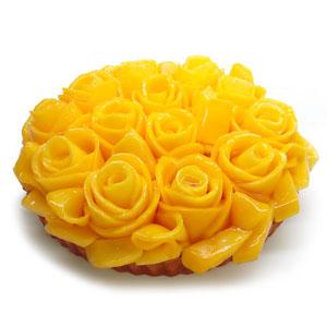 中央区・銀座:マンゴーのバラが咲き誇る豪華絢爛なフルーツタルト「カフェコムサ」銀座店