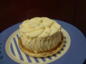 中央区・銀座:見た目も美しく上品なレアチーズケーキ「和光 ケーキ&チョコレートショップ」