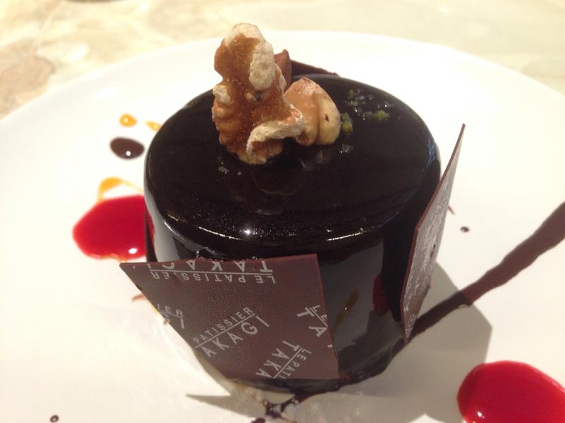 港区・外苑前:日本のスイーツ界を牽引する一流シェフのチョコレートケーキ「ル パティシエ タカギ 青山店」