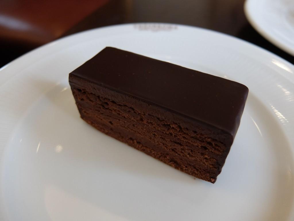 渋谷区・代々木公園:日本のショコラ界を代表するチョコレート専門店「テオブロマ」渋谷本店