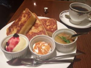 新宿区・新宿三丁目:新宿の老舗喫茶店「CAFE AALIYA」