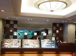 千代田区・九段下:アップルパイ「ホテルグランドパレス ケーキ&ベーカリー ジュリー」